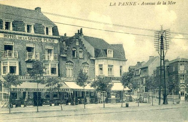 Van L naar R: Grand Place, Bains en China Palace