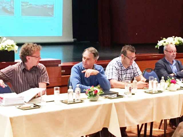 Ing. Wim Morel, schepen Johan Blieck, vertegenwoordiger IWVA,.., ir. Lobelle
