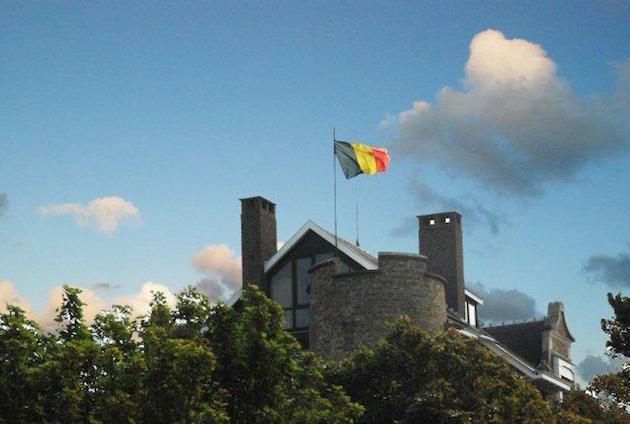 De vlag hangt uit bij Josiane Ghysbrecht (villa Beau Séjour)