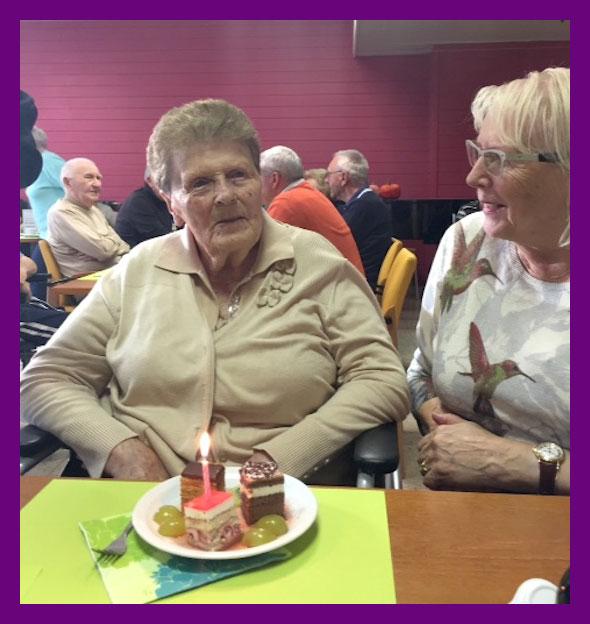 Mama met Ginette, 1 week geleden (viering 94 jaar in Sint Bernardus)