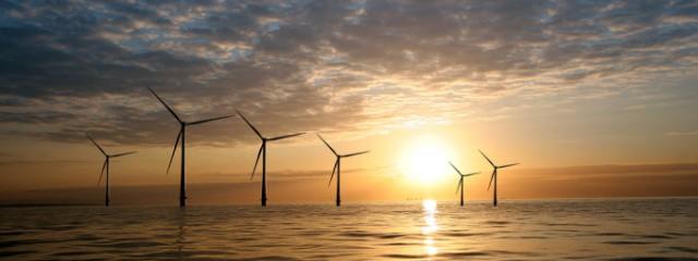 windmolens-zee-foto-flickr-by-vattenfall-680x256